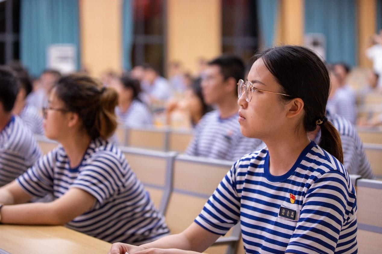 青春向党,强国有我 ——记北京大学汇丰商学院2021级全日制硕博新生国防教育营党建系列活动